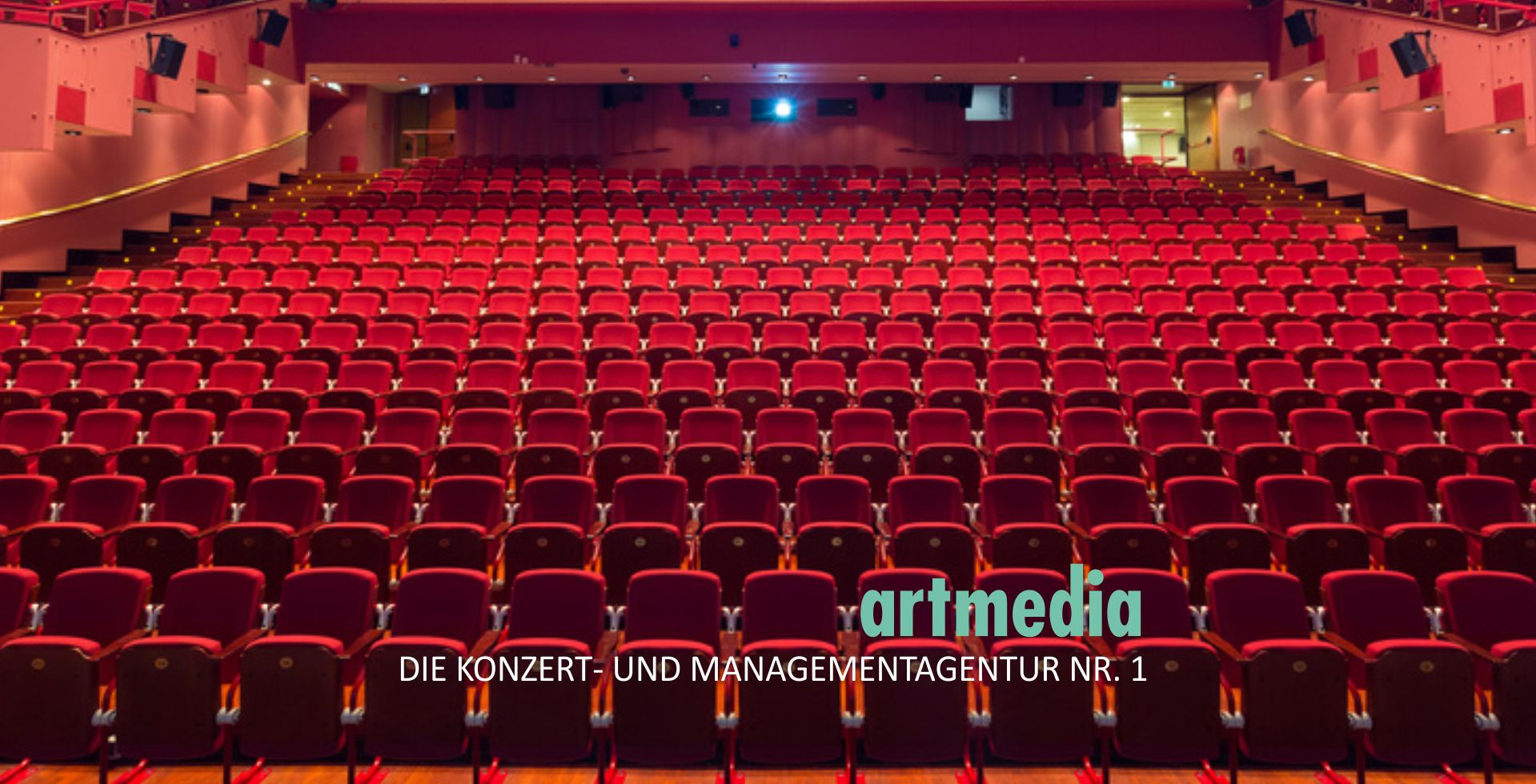 2017artmediaPageSlideshowRotesTheaterStartfotoAA